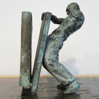 juan-muñoz-rodchenkos-nightmare-pair-of-bronze-bookends-sculptures-design-bronze_CROP