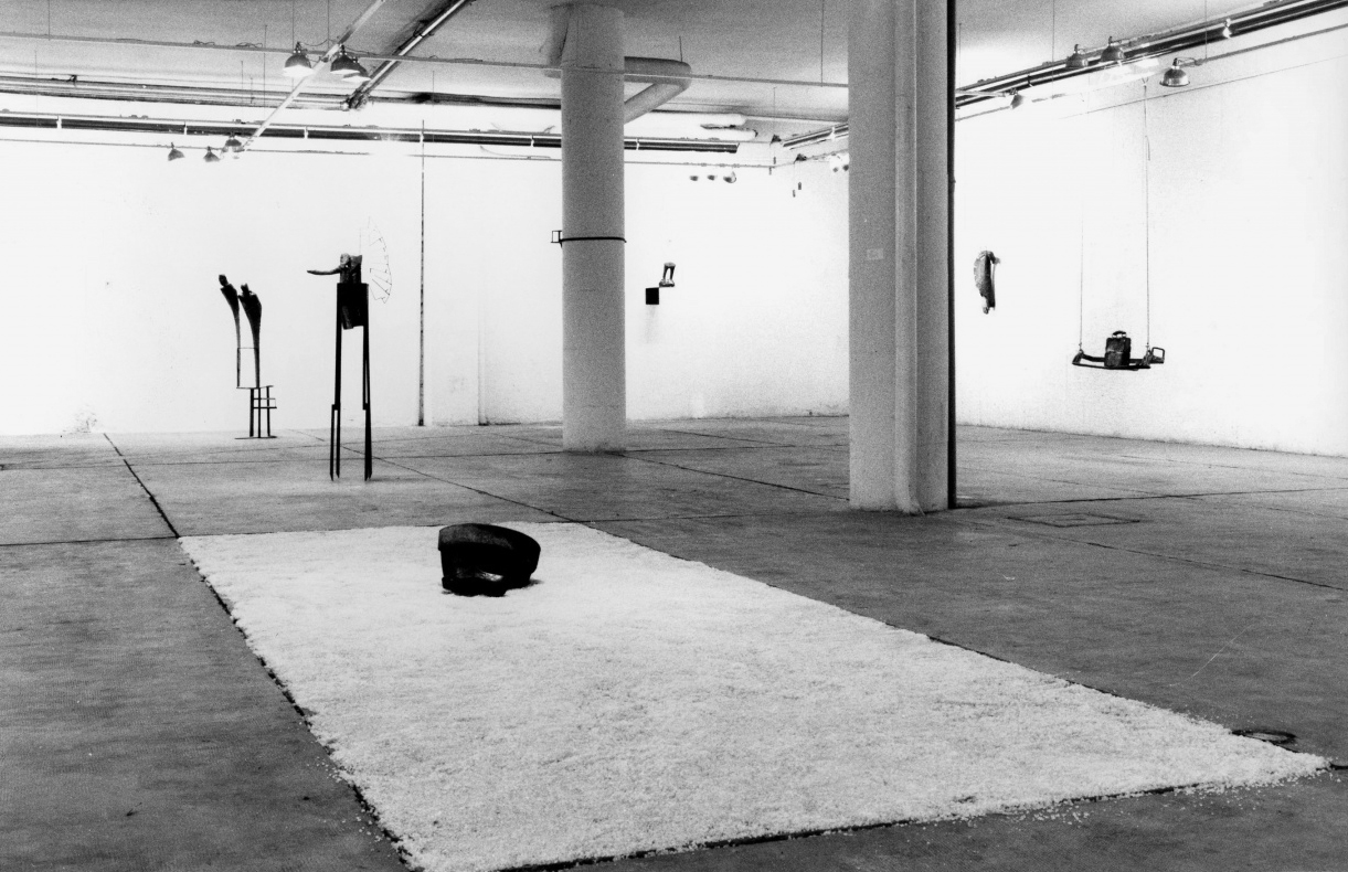 Installation view, galeria Fernando Vijande, Madrid, 1984. Photo Antonio Zafra